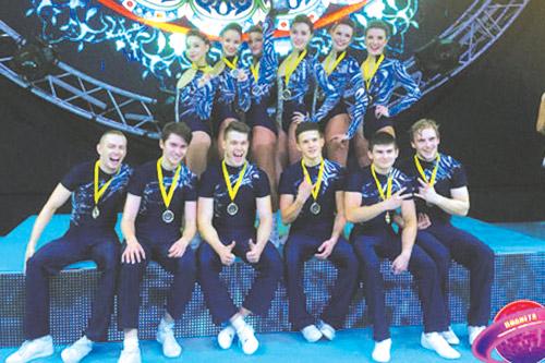 Ольга Кулакова и ее команда на чемпионате мира